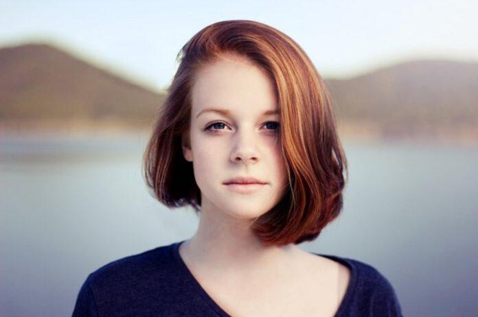 rozjaśnianie rudych włosów